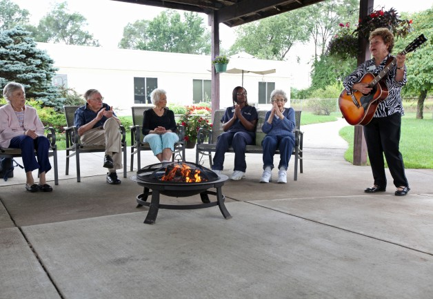 The Laurels of Galesburg: Recreational Activity